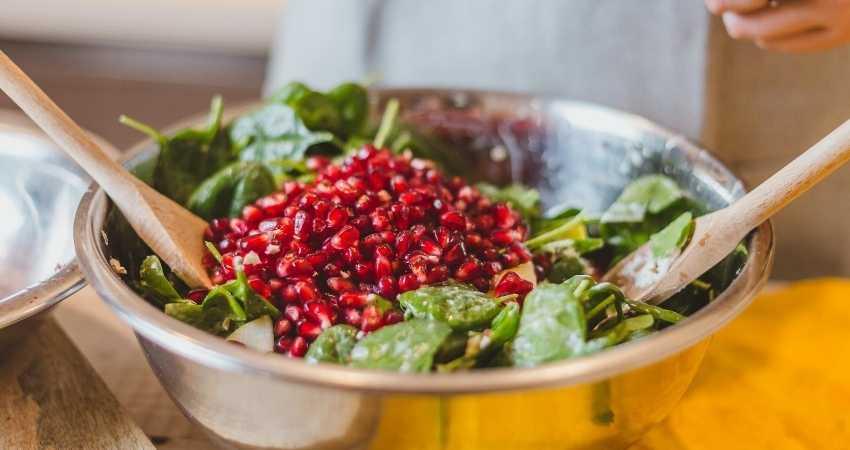 alternatives to pomegranate in salad